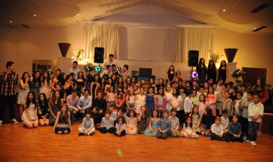 Students from the GOCMV Greek School dinner dance.